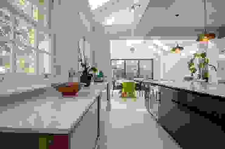 Kitchen Extension, East Molesey Cube Lofts Modern kitchen