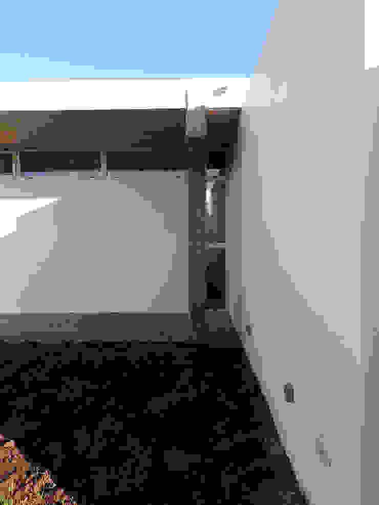 VIVIENDA RR Casas modernas: Ideas, imágenes y decoración de riverorolnyarquitectos Moderno