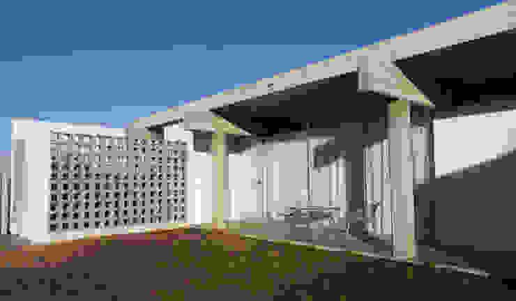 Casas de estilo  por riverorolnyarquitectos, Moderno