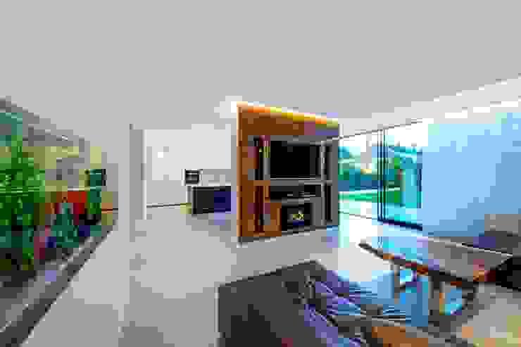 Hadley Wood – North London Salas de estar modernas por New Images Architects Moderno