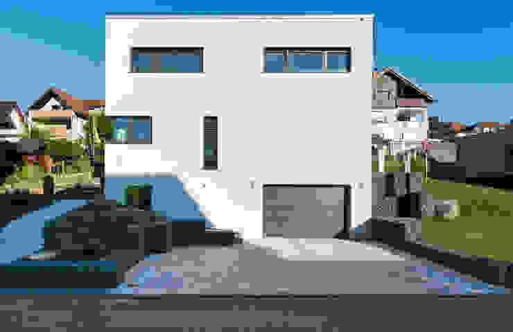herbertarchitekten Partnerschaft mbB Modern houses Beige