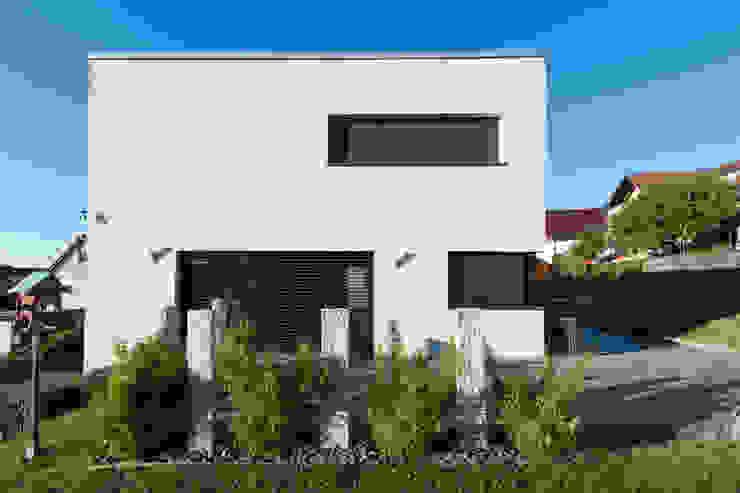Дома в стиле модерн от herbertarchitekten Partnerschaft mbB Модерн
