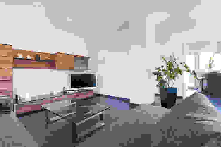 Salon moderne par herbertarchitekten Partnerschaft mbB Moderne Tuiles