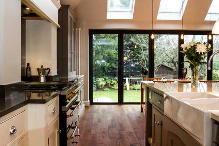 Kitchen Extension, Hinchley Wood Cocinas de estilo moderno de Cube Lofts Moderno