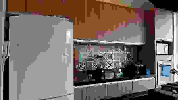 Casa integrada Cocinas rústicas de Arquiteto Lucas Lincoln Rústico Cerámico