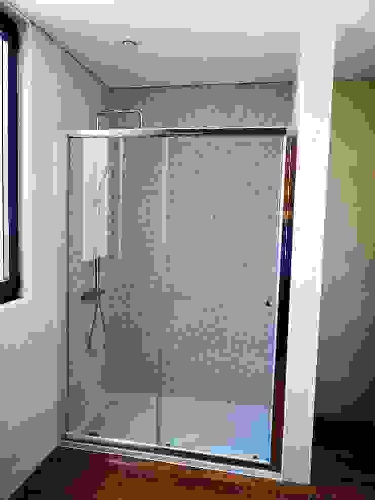 Casa de Banho (cabine de duche). Casas de banho modernas por Lethes House Moderno Cerâmica