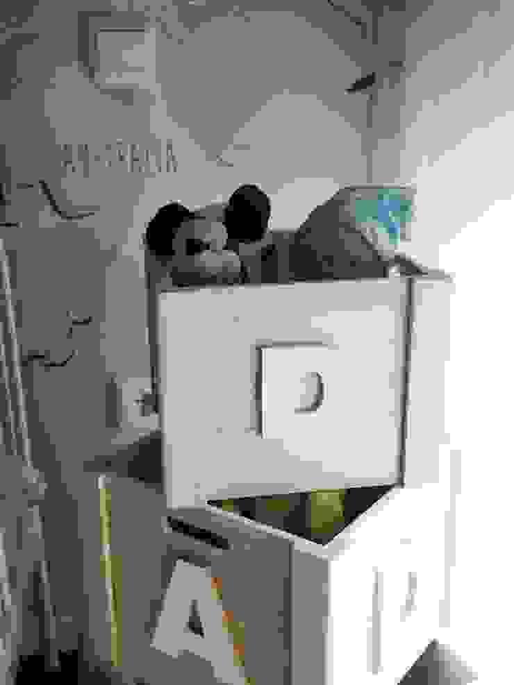 Quarto menino Quartos de criança modernos por Lethes House Moderno Madeira Acabamento em madeira