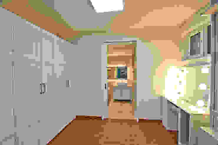 THE JK Modern dressing room