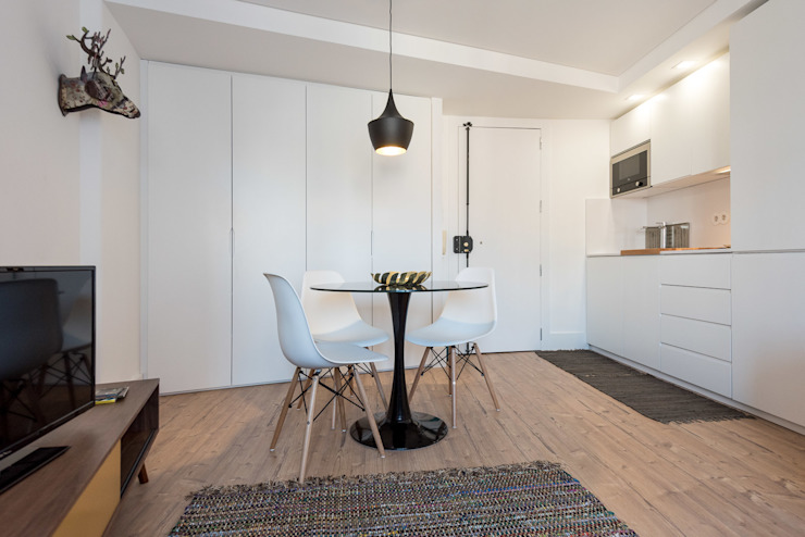 Zona de Refeições_Remodelação Apartamento_Ajuda | Lisboa PT OW ARQUITECTOS lda | simplicity works Salas de jantar minimalistas Branco