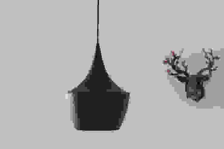 Iluminação_Remodelação Apartamento_Ajuda   Lisboa PT por OW ARQUITECTOS lda   simplicity works Minimalista Metal