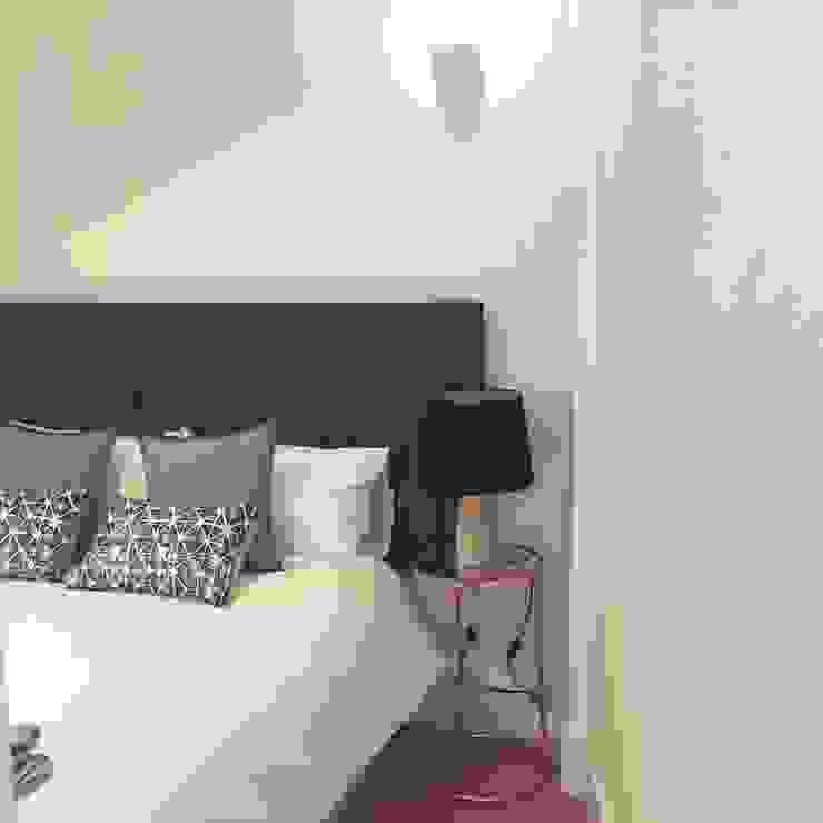 Quarto_Remodelação Apartamento_Ajuda | Lisboa PT por OW ARQUITECTOS lda | simplicity works Minimalista