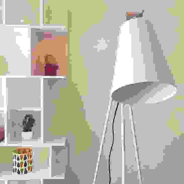 Sala de estar_Remodelação Apartamento_Ajuda   Lisboa PT por OW ARQUITECTOS lda   simplicity works Minimalista Metal