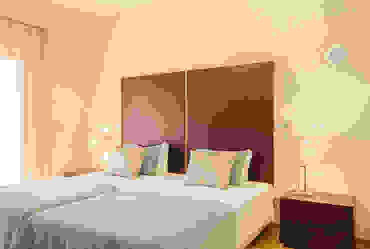 Projecto Design Interior – Amendoeira Golf Resort por Simple Taste Interiors Clássico