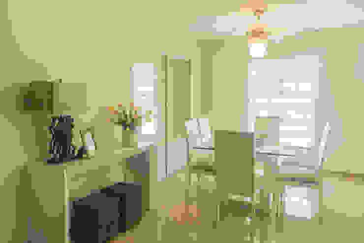 Modern Dining Room by Monica Saravia Modern