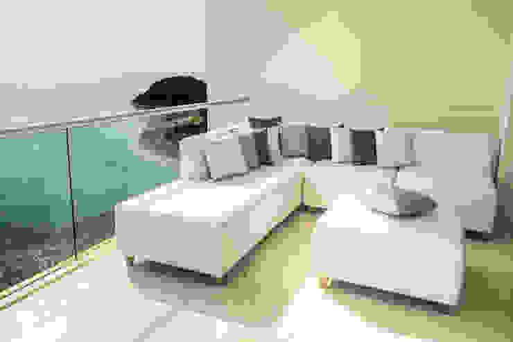 Proyecto Balcones y terrazas de estilo moderno de Monica Saravia Moderno