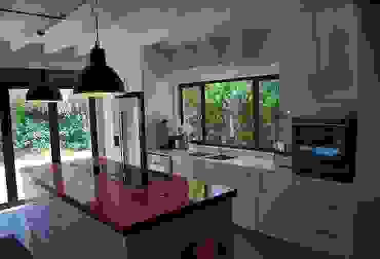 Project : Jason Black Modern kitchen by Capital Kitchens cc Modern MDF