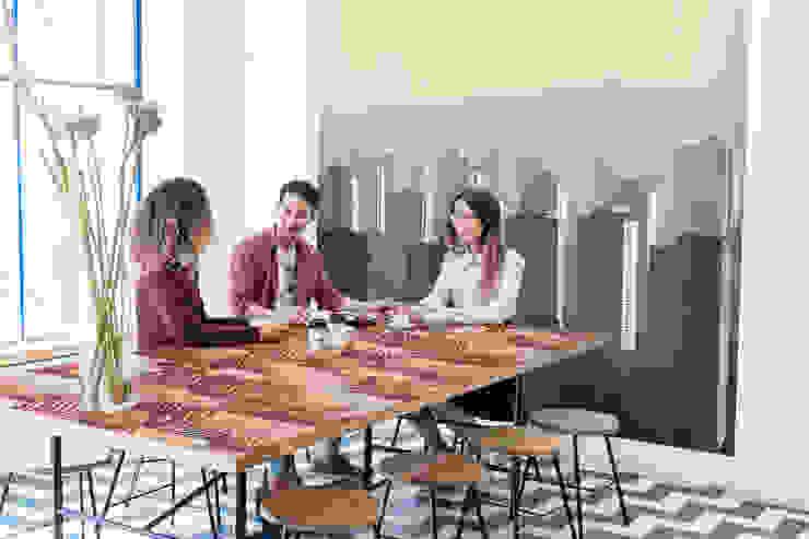 Big City Life Moderne Wände & Böden von Pixers Modern