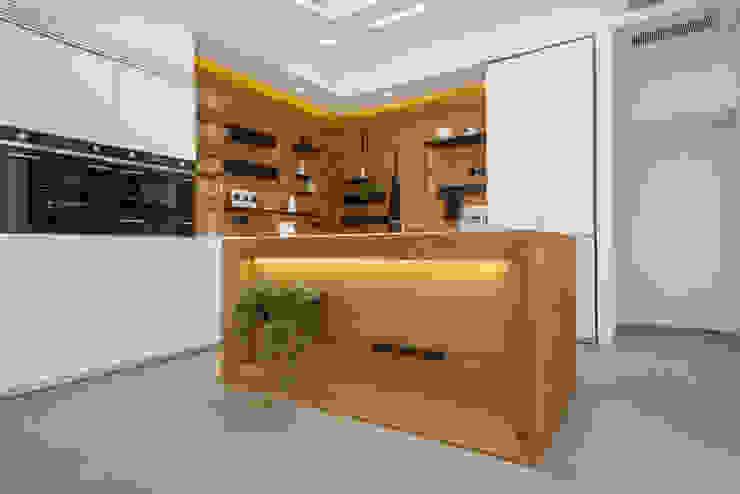 Attico 149 Cucina moderna di Mario Ferrara Moderno