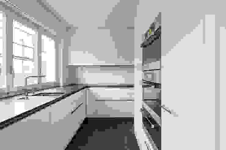 Beat Nievergelt GmbH Architekt 現代廚房設計點子、靈感&圖片
