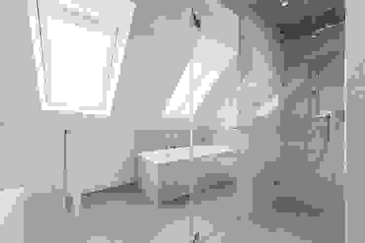 Bad mit Dampfsauna:  Badezimmer von Ohlde Interior Design