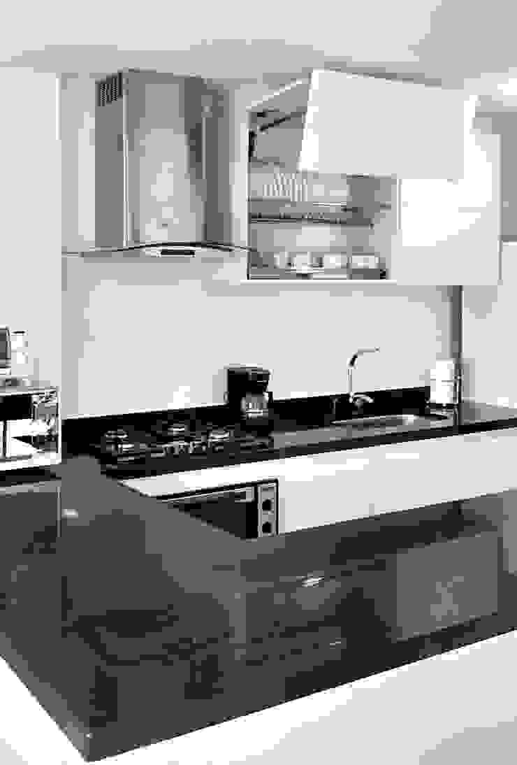 Modern kitchen by Remodelar Proyectos Integrales Modern MDF