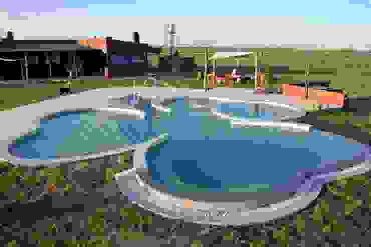 Piscina Trebol de Surpool - Diseño de Espacios de Agua Moderno Hormigón