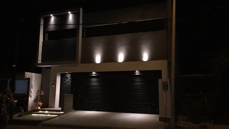 Fachada principal Casas modernas de The arkch's Arquitectos Moderno Concreto