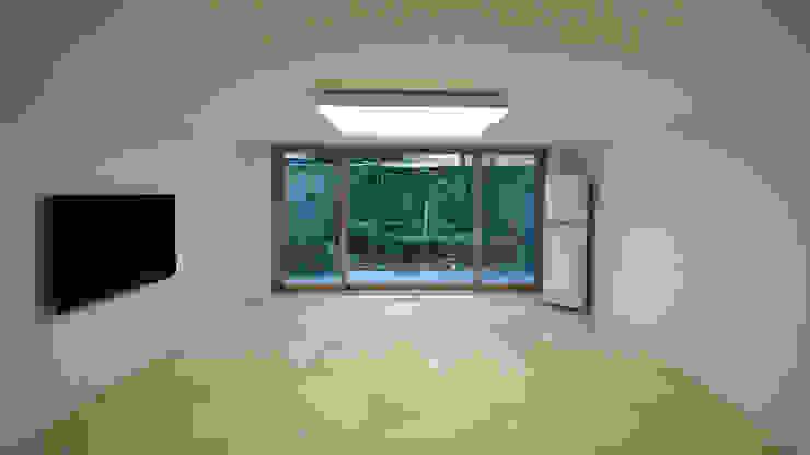 Minimalist living room by HJL STUDIO Minimalist Marble