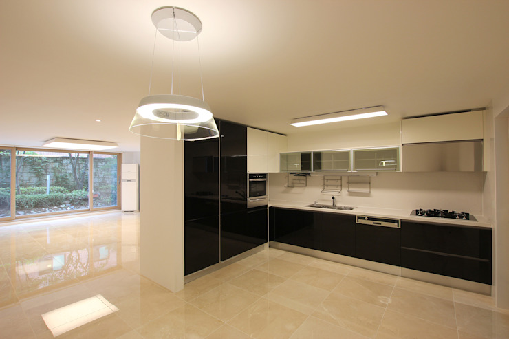 Minimalist kitchen by HJL STUDIO Minimalist Marble