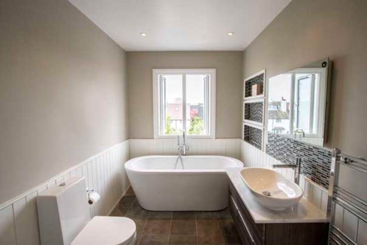 Apartment Refurbishment – Richmond-upon-Thames, London Modern bathroom by Cube Lofts Modern