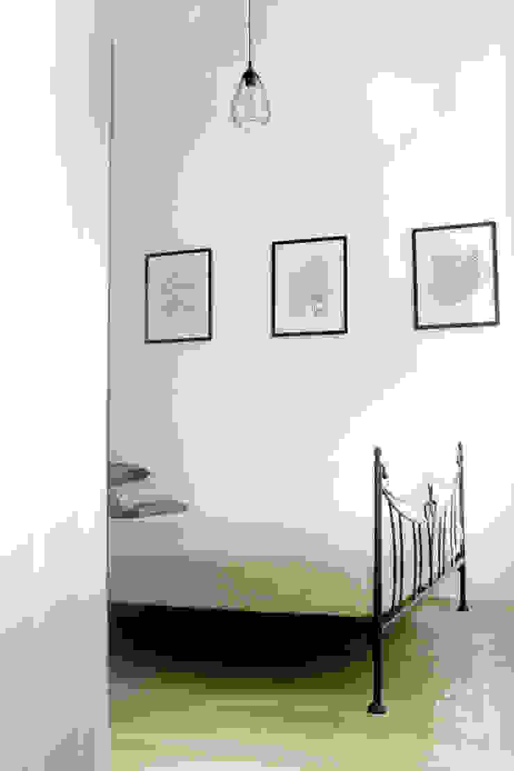 Skandinavische Schlafzimmer von dekoratorka.pl Skandinavisch