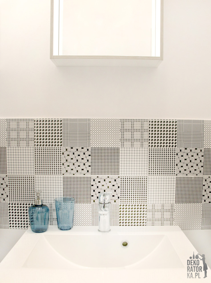 Scandinavian style bathroom by dekoratorka.pl Scandinavian