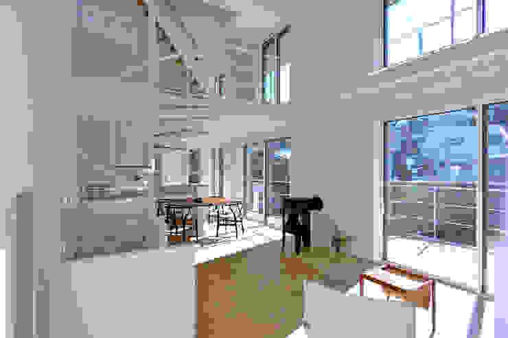 SUR都市建築事務所의  거실