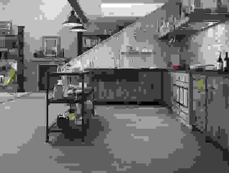 Houtlooktegels die het ontwerp van de keuken versterken en aanvullen Rustieke keukens van Sani-bouw Rustiek & Brocante Tegels