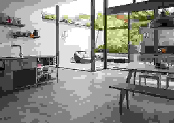 Een keuken met ruimte die écht doorloopt tot op het terras Industriële keukens van Sani-bouw Industrieel Tegels