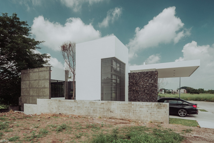 Eclectic style houses by ROKA Arquitectos Eclectic