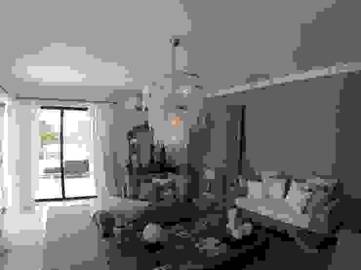 Living Room Salas de estar ecléticas por Pure Allure Interior Eclético