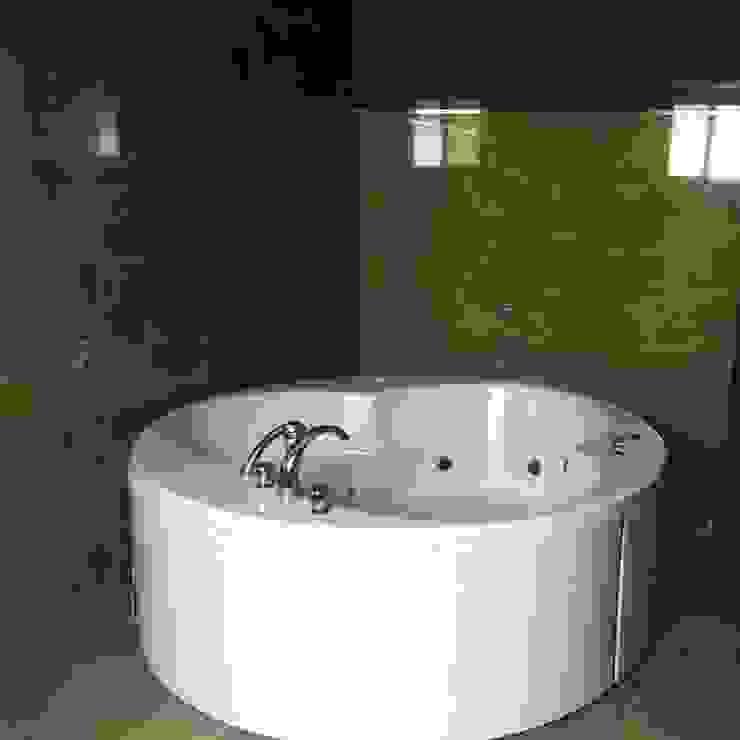 Maadi Villa Classic style bathroom by Architecto Classic