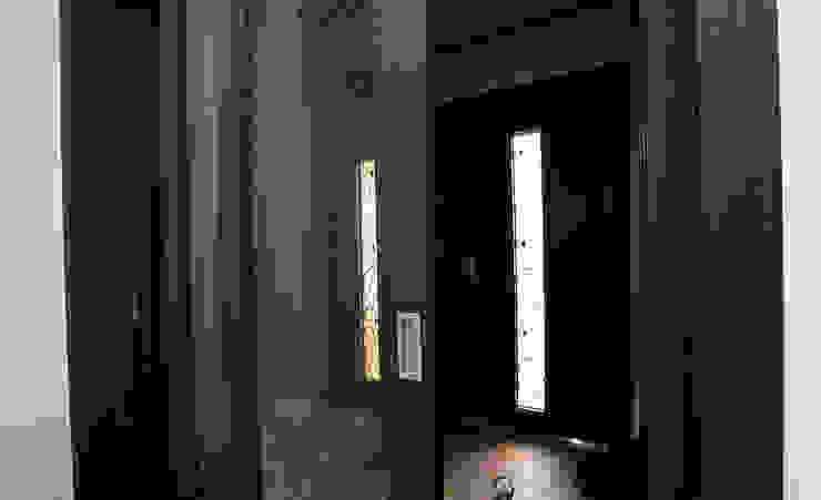 아기자기한 공간과 실용적인 공간을 활용한 모던스타일[충남 천안] 모던스타일 복도, 현관 & 계단 by 지성하우징 모던
