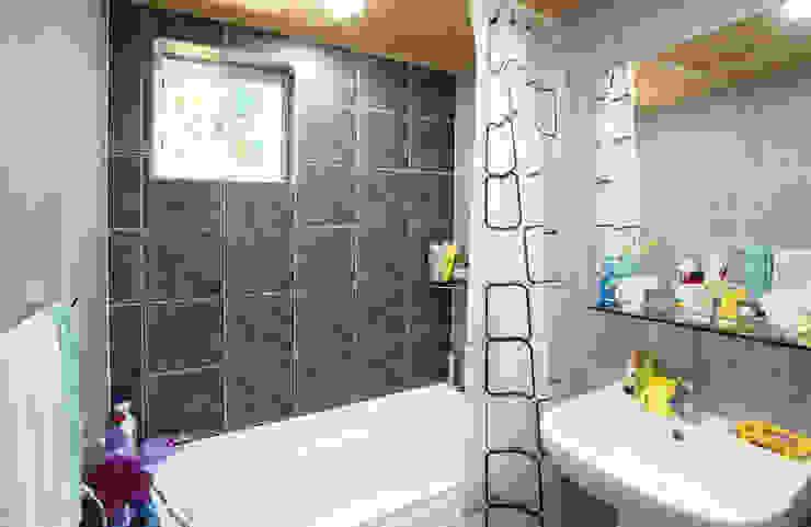 Salle de bains de style  par 지성하우징,