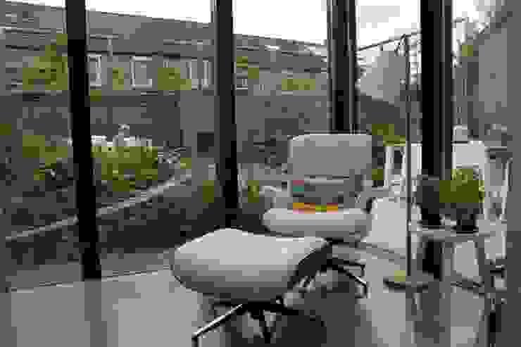 Achtertuin Maastricht Moderne tuinen van Hoveniersbedrijf Guy Wolfs Modern IJzer / Staal
