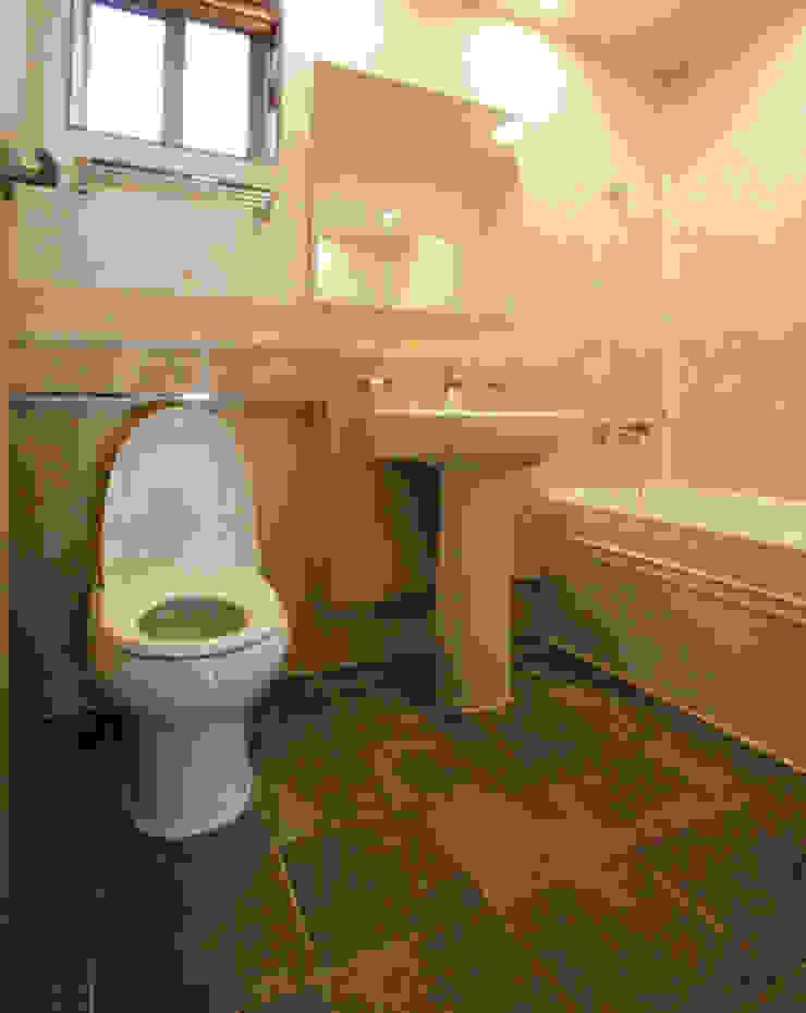 자연의 여유로움에 고급스러움을 더한 지중해스타일[경기 안산] 지중해스타일 욕실 by 지성하우징 지중해
