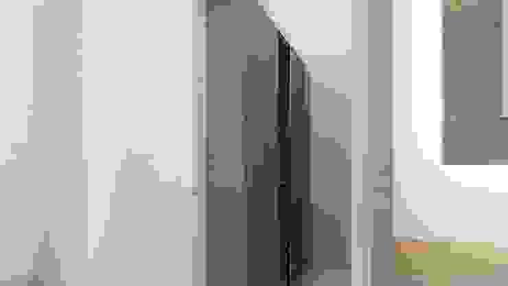 Walkin Wardrobe- Guest Room Ghar360