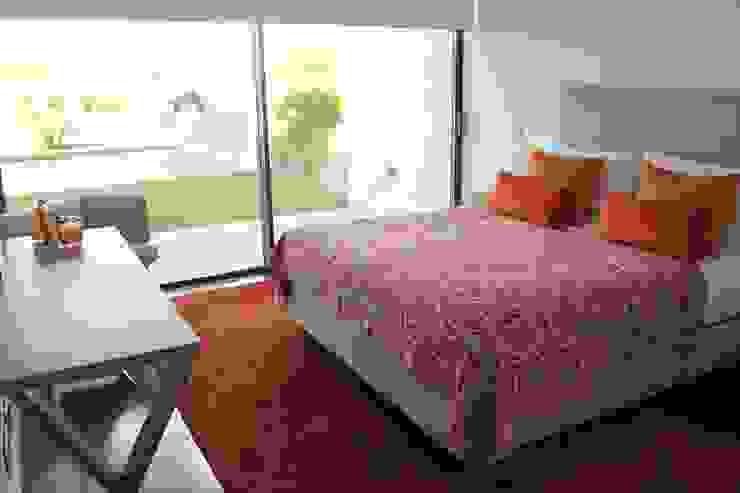 Double Bedroom Terracota Quartos modernos por Pure Allure Interior Moderno