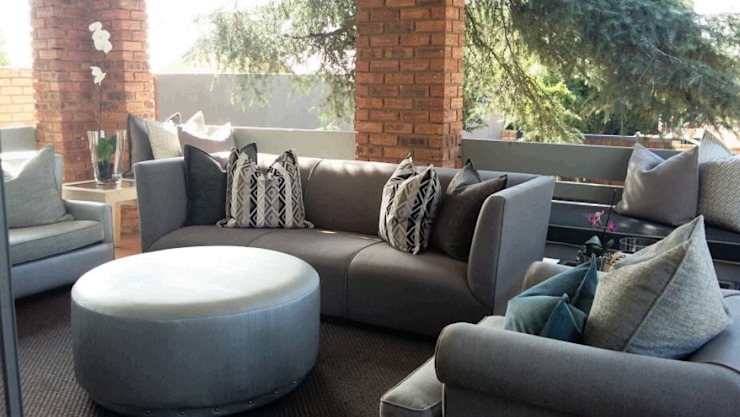 Grey House CKW Lifestyle Associates PTY Ltd Eclectic style balcony, veranda & terrace