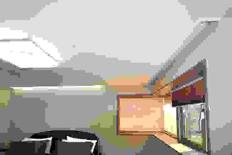 Fenêtres de style  par 피앤이(P&E)건축사사무소