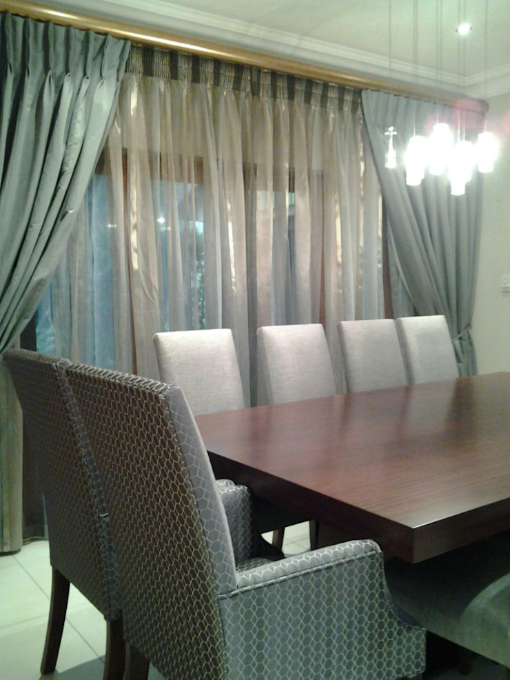 Riverclub Estate Eclectic style dining room by CKW Lifestyle Associates PTY Ltd Eclectic
