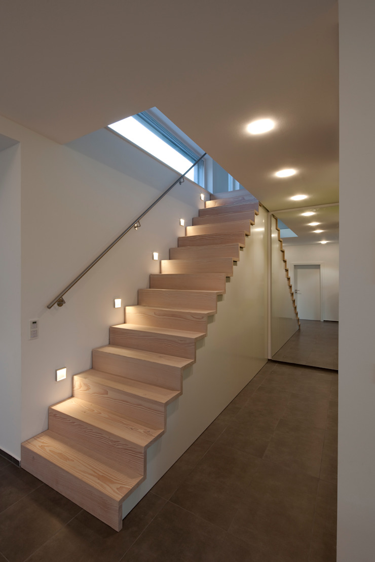 Modern Corridor, Hallway and Staircase by pur natur Modern