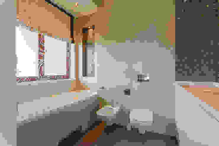 Salle de bain classique par Bellarte interior studio Classique
