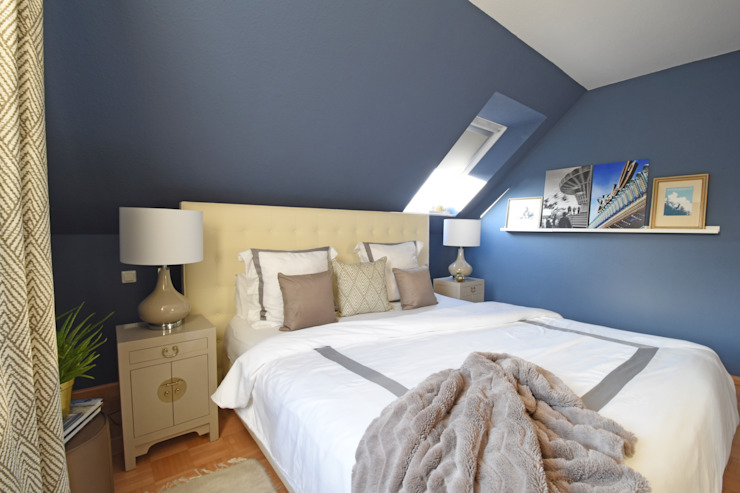 Homemate GmbH Classic style bedroom Blue